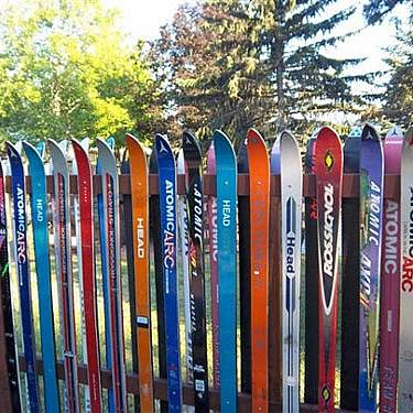 No doubt that the ski owners don't know what to do with their broken or worn ski. This is one great idea!