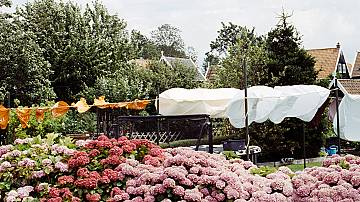 Tent in the garden – a private place for rest and relaxation