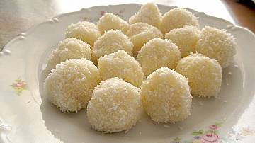 How to make homemade Raffaello pralines